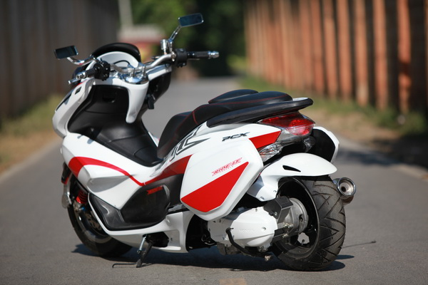 Honda pcx version nos ride it - 8