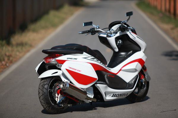 Honda pcx version nos ride it - 9