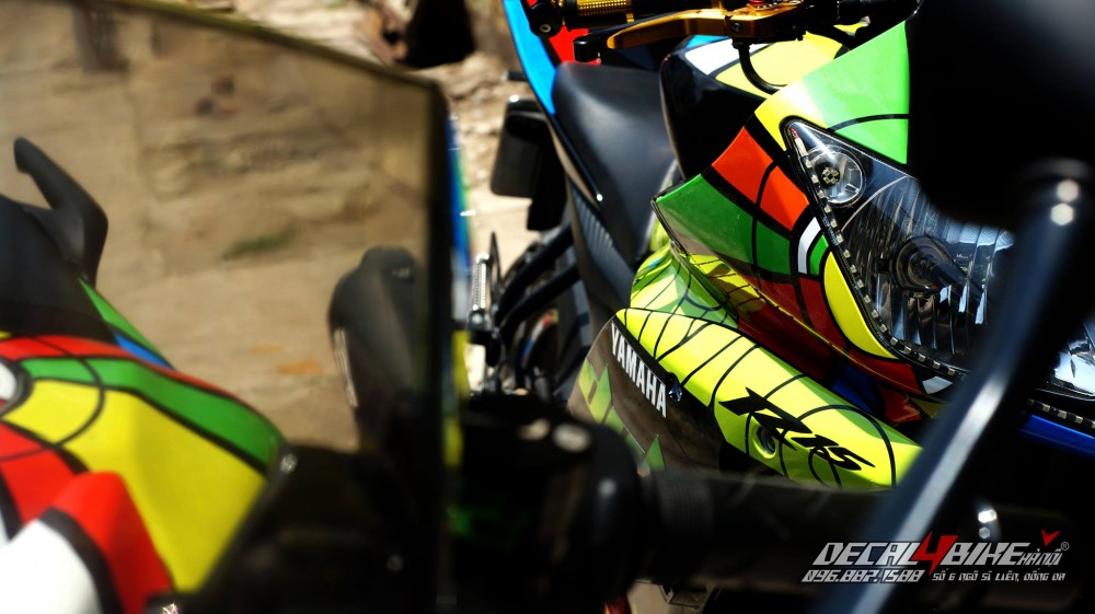 Yamaha r15 - 12