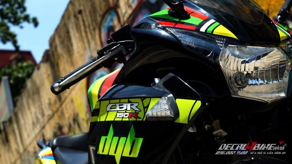 Yamaha r15 - 13