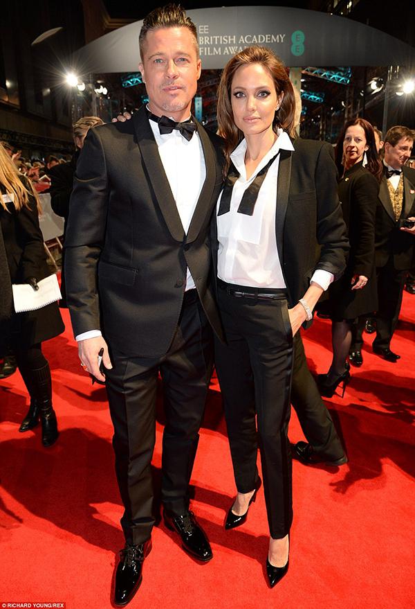 Angelina jolie và brad pitt tình tứ trên thảm đỏ baftas - 5