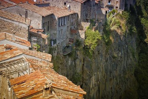 Castellfollit de la roca - ngôi làng đẹp hơn cả tranh vẽ - 2