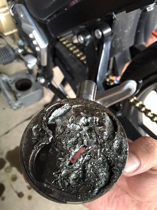 Hậu quả của việc độ pô xăng lửa cho raider quá tay - 3