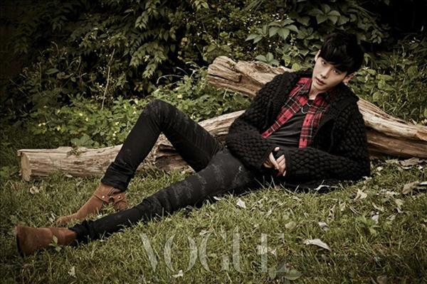 Lee jong suk đa phong cách trên các tạp chí tháng 10 - 6