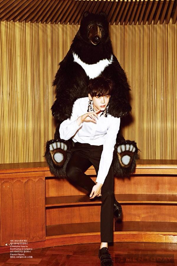 Lee jong suk đa phong cách trên các tạp chí tháng 10 - 15