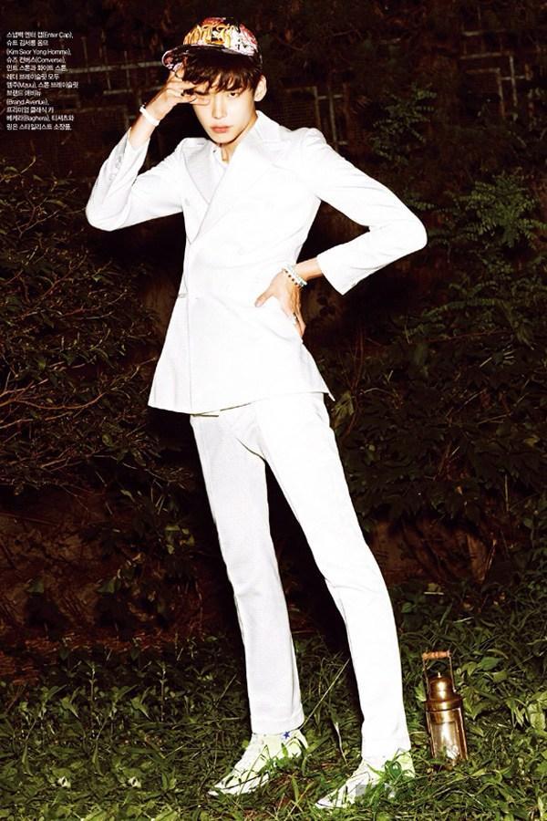 Lee jong suk đa phong cách trên các tạp chí tháng 10 - 13