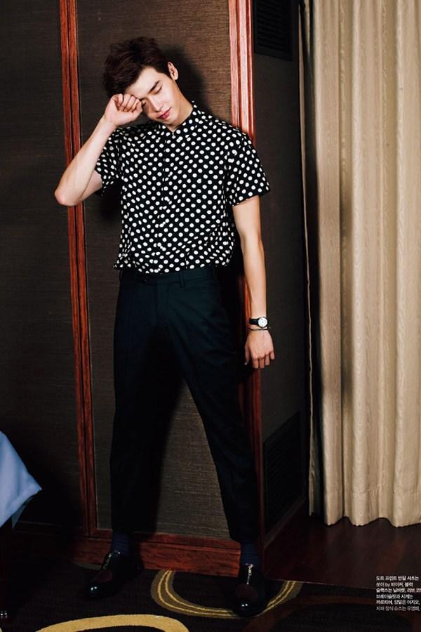 Lee jong suk đa phong cách trên các tạp chí tháng 10 - 23