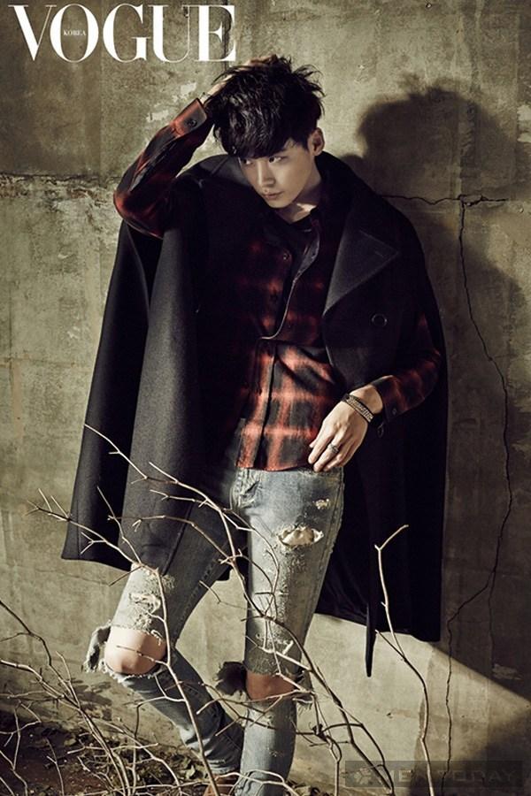 Lee jong suk đa phong cách trên các tạp chí tháng 10 - 2
