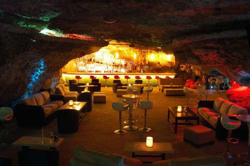 Những quán bar kỳ lạ nhất thế giới - 7