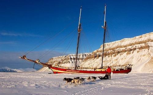 Noorderlicht khách sạn nằm giữa biển băng - 3