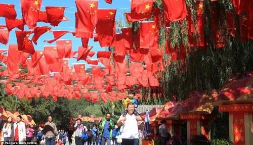 Trung quốc tắc đường vì làn sóng du lịch trong tuần lễ vàng - 1