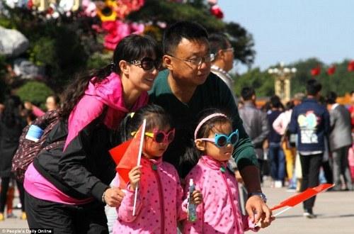Trung quốc tắc đường vì làn sóng du lịch trong tuần lễ vàng - 3