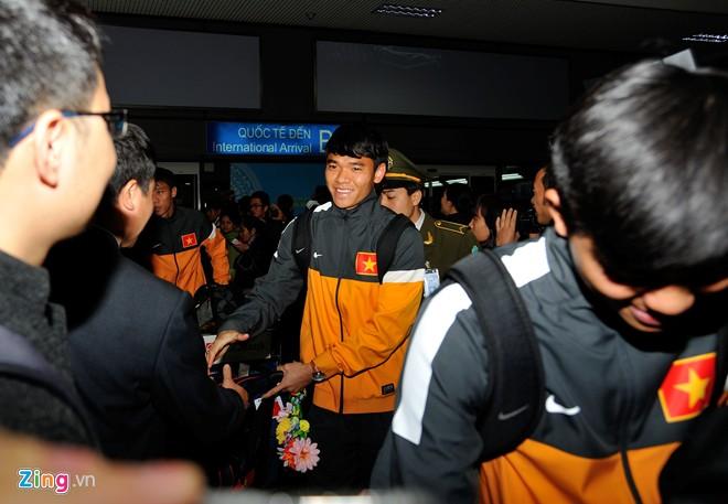 U23 việt nam mệt mỏi ở sân bay nội bài - 1