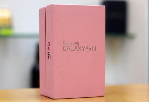 Ảnh thực tế galaxy s iii màu hồng - 1