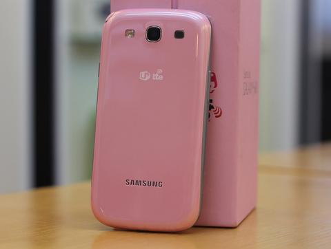 Ảnh thực tế galaxy s iii màu hồng - 3