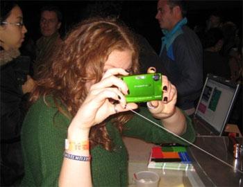 Fujifilm z10fd - máy ảnh cho dân teen - 5