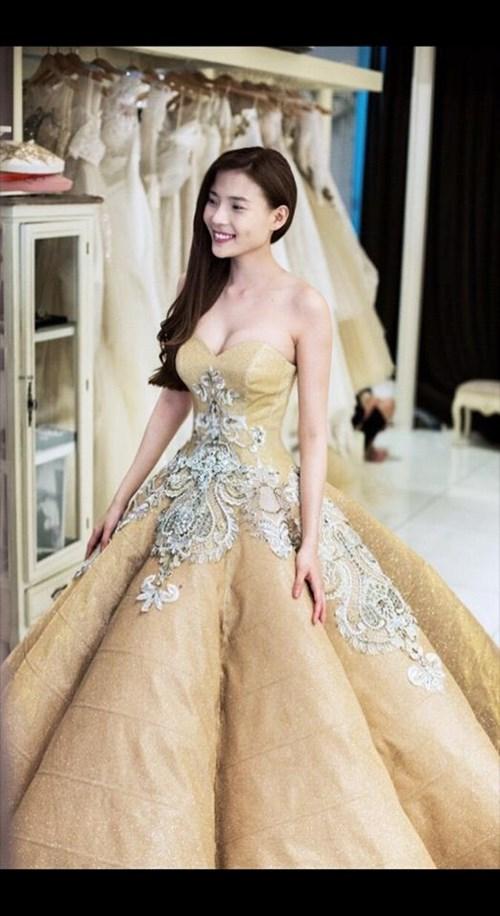 Các bộ váy cưới trị giá gần 600 triệu của thúy diễm có gì - 3
