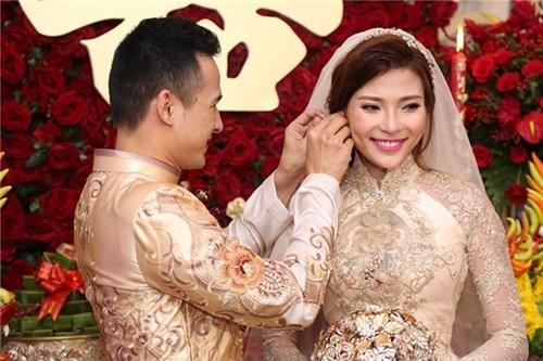 Các bộ váy cưới trị giá gần 600 triệu của thúy diễm có gì - 9