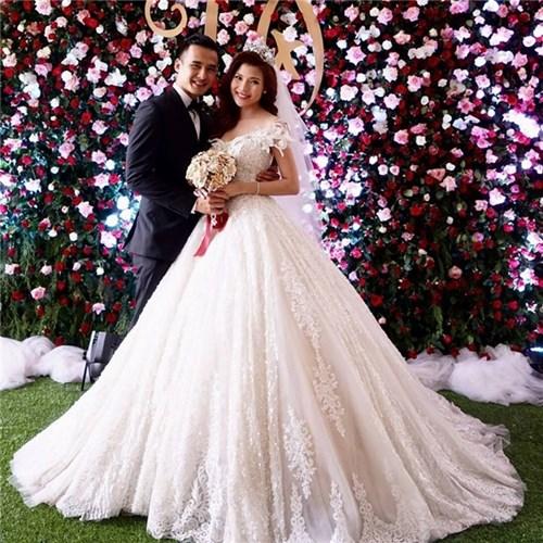 Các bộ váy cưới trị giá gần 600 triệu của thúy diễm có gì - 12