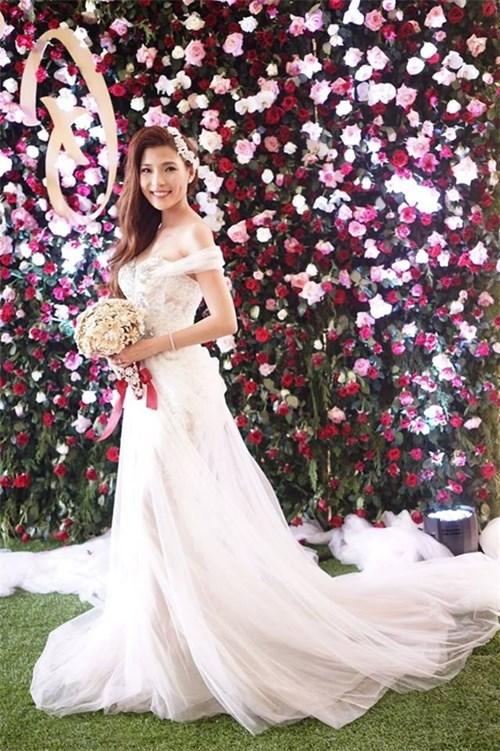Các bộ váy cưới trị giá gần 600 triệu của thúy diễm có gì - 15