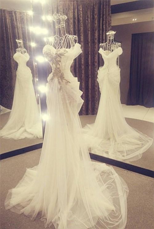 Các bộ váy cưới trị giá gần 600 triệu của thúy diễm có gì - 16