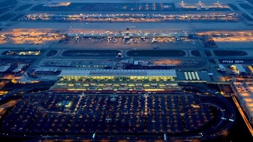 Choáng ngợp trước những sân bay được bình chọn đẹp - độc nhất thế giới - 5