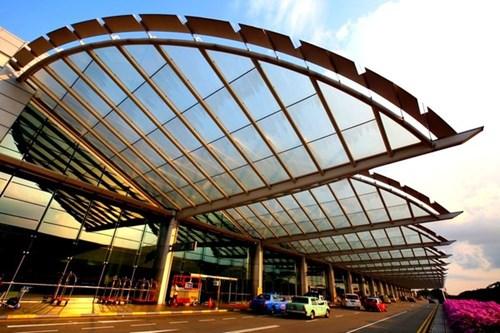 Choáng ngợp trước những sân bay được bình chọn đẹp - độc nhất thế giới - 8