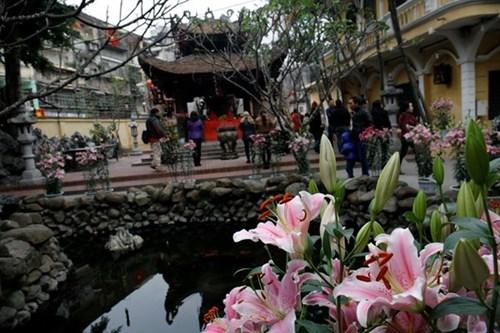 Địa điểm nổi tiếng linh thiêng để đi lễ đầu năm ở hà nội - 7