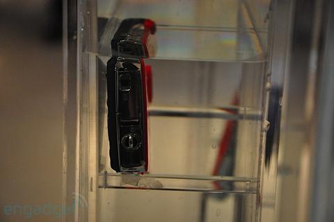 Máy ảnh chống thấm nước và chống sốc của samsung - 9