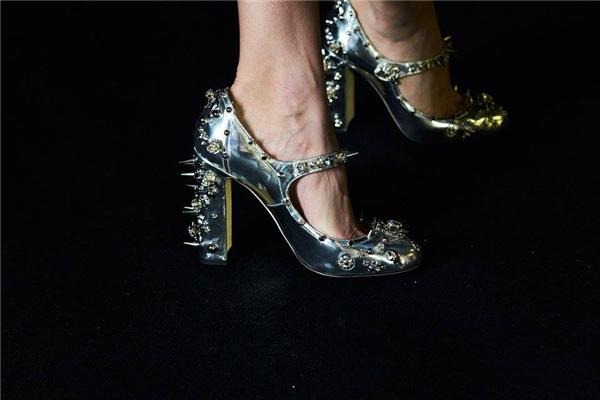 Mê đắm những đôi giày bị lọ lem đánh rơi giữa đời thực - 4