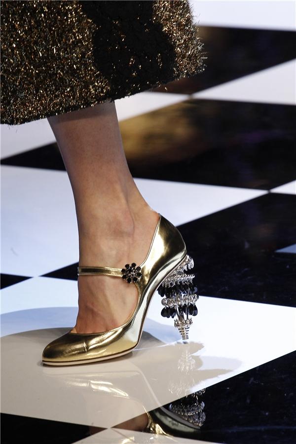 Mê đắm những đôi giày bị lọ lem đánh rơi giữa đời thực - 8