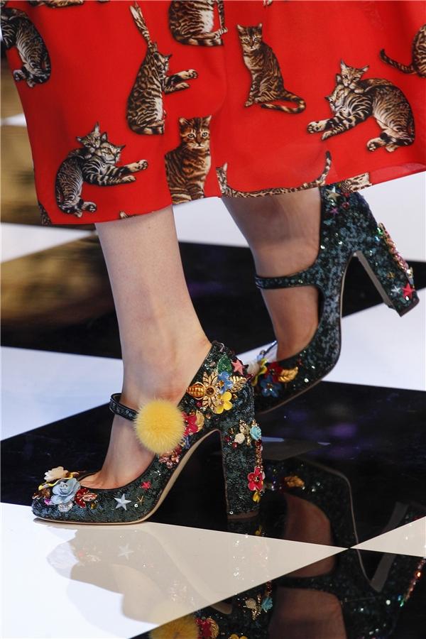 Mê đắm những đôi giày bị lọ lem đánh rơi giữa đời thực - 15
