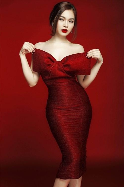 Mĩ nhân việt đọ sắc với váy áo màu đỏ rượu sang trọng tinh tế - 5