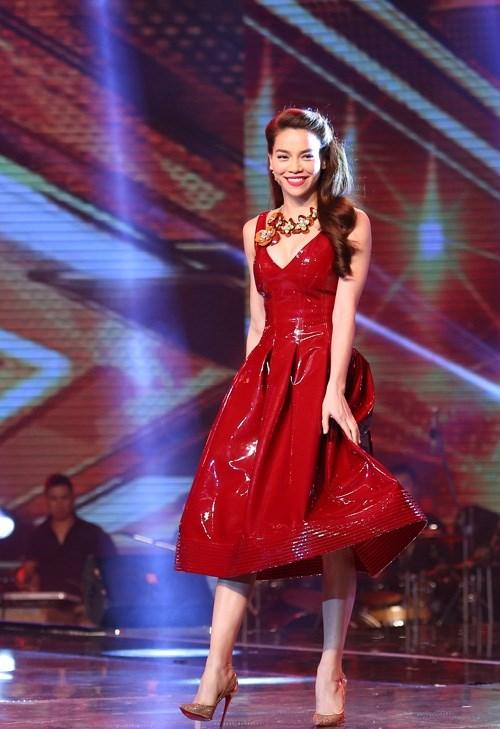 Mĩ nhân việt đọ sắc với váy áo màu đỏ rượu sang trọng tinh tế - 6