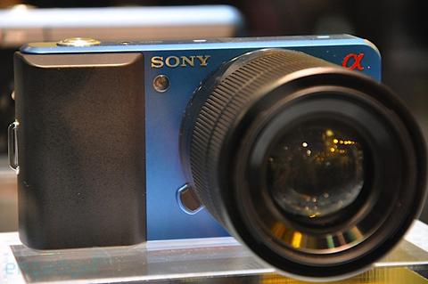 Ngắm camera ống kính rời siêu nhỏ sony - 2