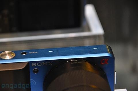 Ngắm camera ống kính rời siêu nhỏ sony - 3