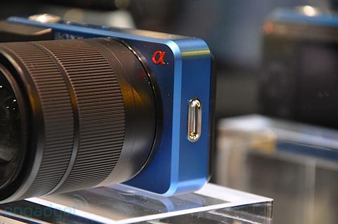 Ngắm camera ống kính rời siêu nhỏ sony - 4