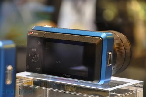 Ngắm camera ống kính rời siêu nhỏ sony - 5