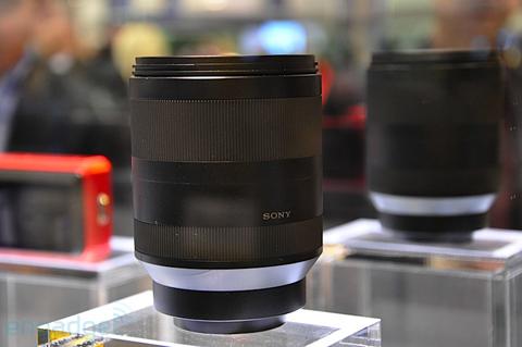 Ngắm camera ống kính rời siêu nhỏ sony - 12