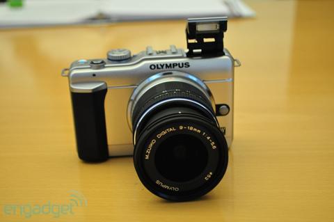 Ngắm máy số ống kính rời siêu nhỏ mới của olympus - 1