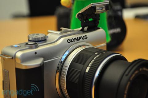 Ngắm máy số ống kính rời siêu nhỏ mới của olympus - 4