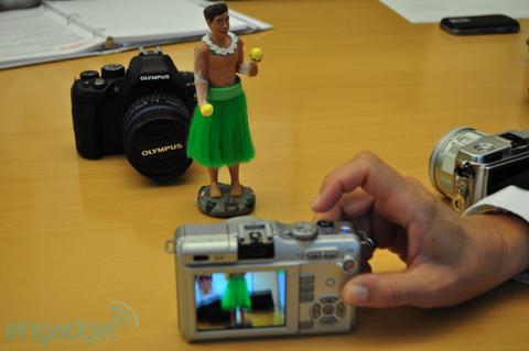 Ngắm máy số ống kính rời siêu nhỏ mới của olympus - 9
