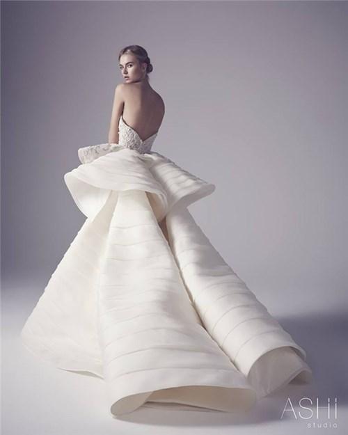 Những chiếc váy cưới này sẽ khiến các cô gái chỉ muốn cưới liền tay - 4