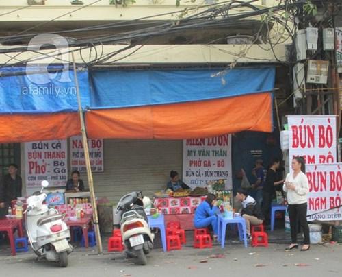 Những khu vực nhiều hàng quán ăn bán xuyên tết ở hà nội - 5