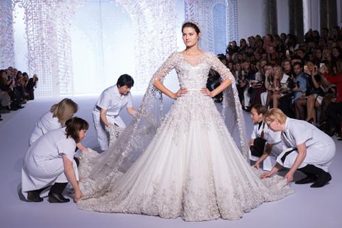 Thế giới váy cưới haute couture hàng trăm nghìn usd - 2