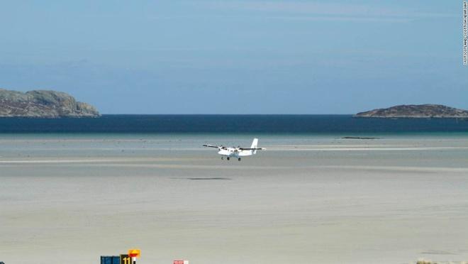 10 sân bay có điểm tiếp đất đẹp nhất thế giới - 4
