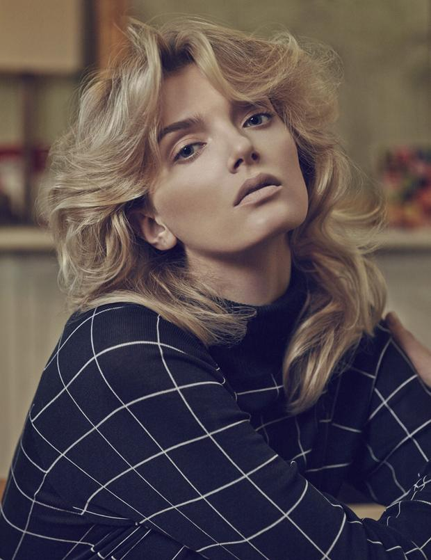 Top 7 kiểu tóc dài uốn xoăn đẹp 2017 cổ điển không bao giờ lỗi mốt - 2
