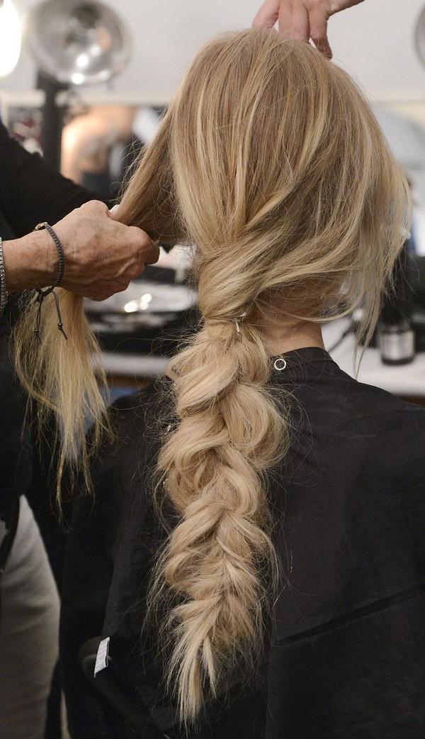 Top 7 kiểu tóc dài uốn xoăn đẹp 2017 cổ điển không bao giờ lỗi mốt - 4