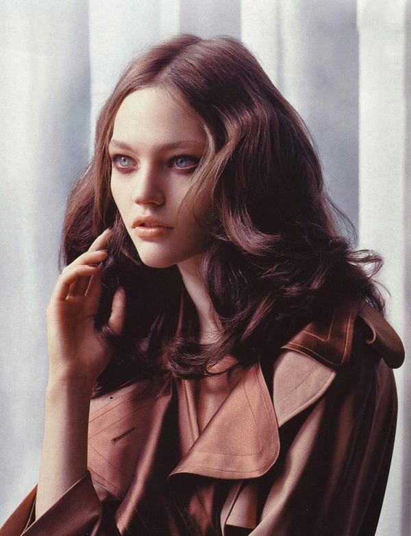 Top 7 kiểu tóc dài uốn xoăn đẹp 2017 cổ điển không bao giờ lỗi mốt - 15