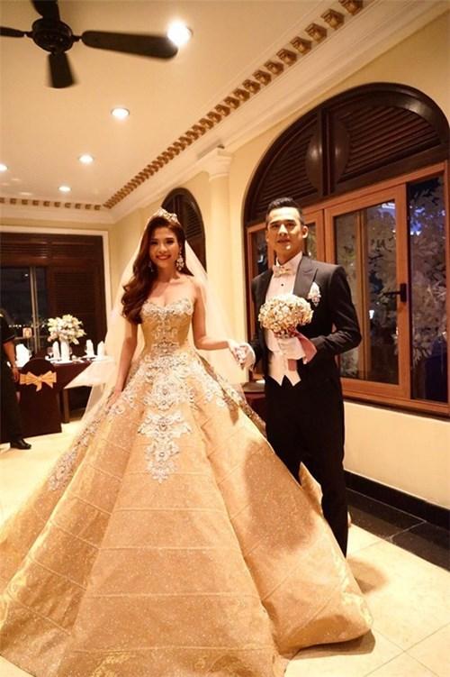 Các bộ váy cưới trị giá gần 600 triệu của thúy diễm có gì - 1